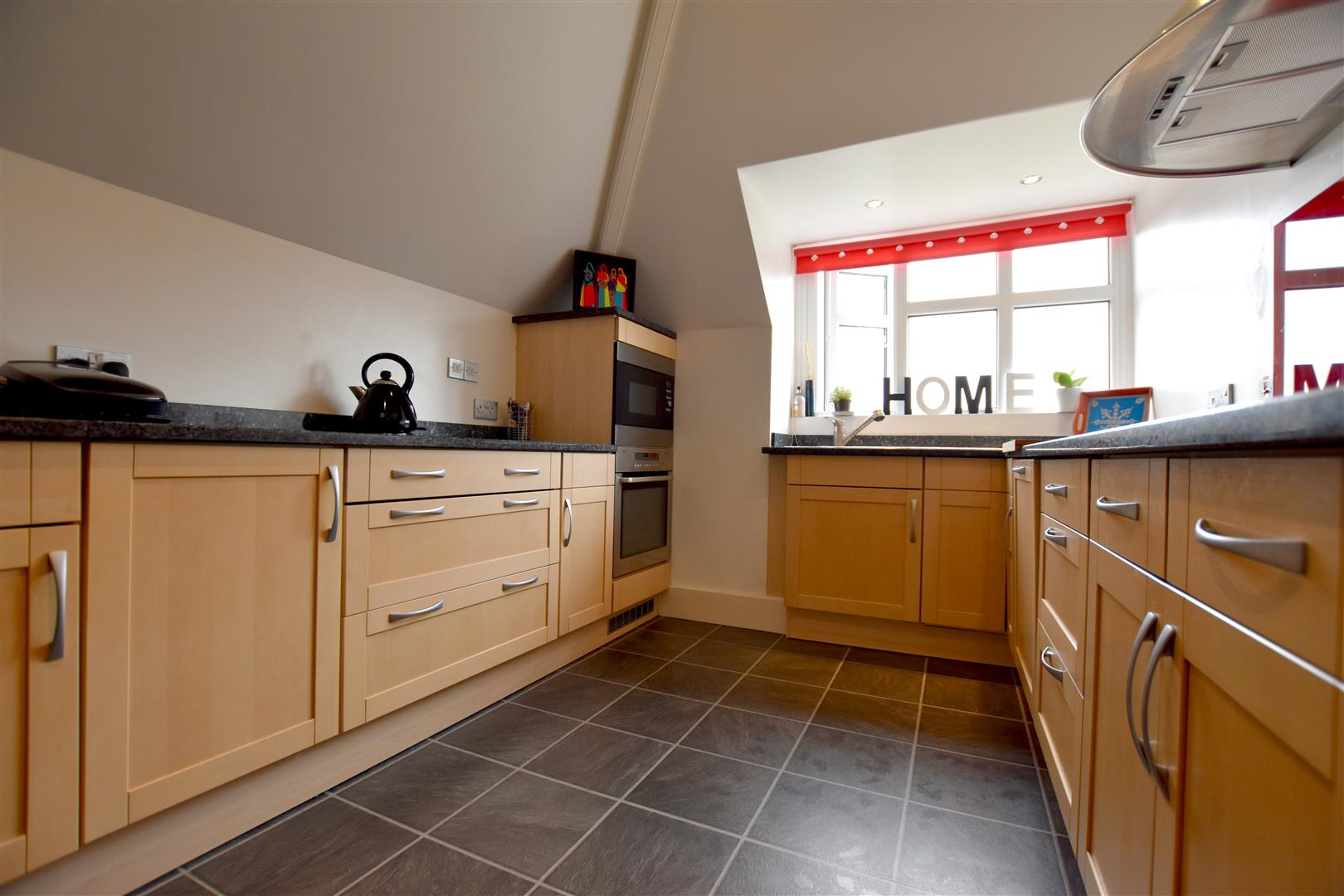 4 Bedrooms House for sale in Wray Common Road, Reigate